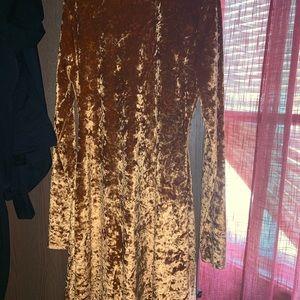Long sleeve velvet orange dress